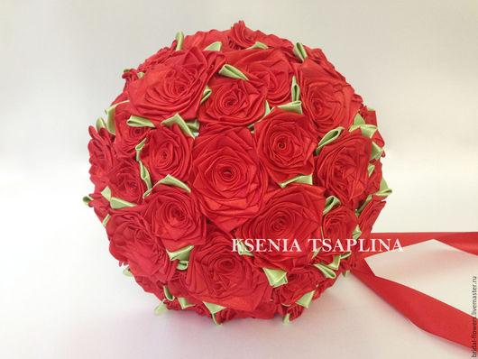 Свадебные цветы ручной работы. Ярмарка Мастеров - ручная работа. Купить Брошь букет невесты из красных роз. Handmade.