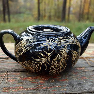 """Посуда ручной работы. Ярмарка Мастеров - ручная работа """"Золотые перья"""" - Черный фарфоровый чайник. Handmade."""