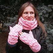"""Аксессуары ручной работы. Ярмарка Мастеров - ручная работа Вязаный комплект снуд (хомут) и длинные митенки """"Розовый зефир"""". Handmade."""