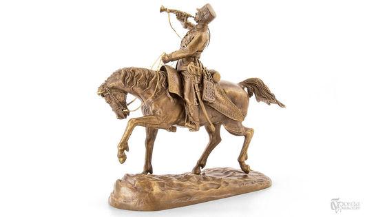 Элементы интерьера ручной работы. Ярмарка Мастеров - ручная работа. Купить Гусар-трубач удерживает лошадь. Handmade. Скульптура