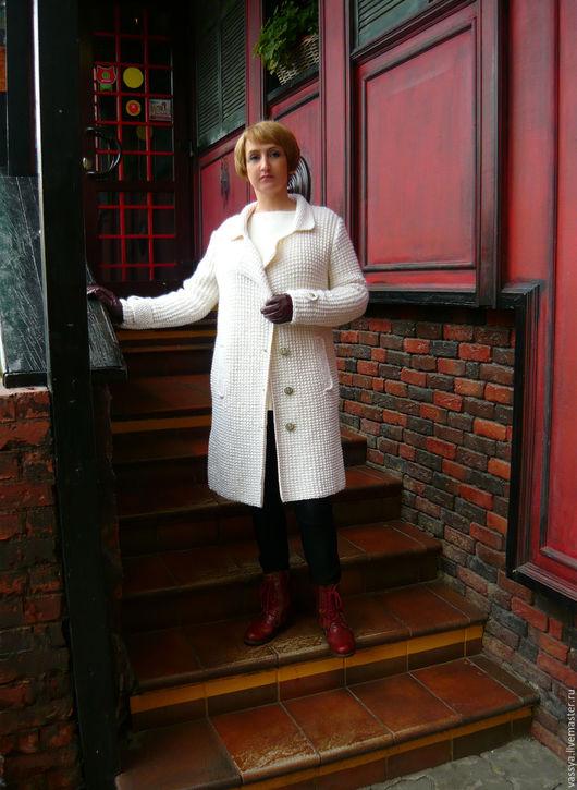 """Верхняя одежда ручной работы. Ярмарка Мастеров - ручная работа. Купить Пальто вязаное оверсайз """"Кембридж"""". Handmade. Белый"""