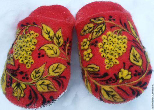 Обувь ручной работы. Ярмарка Мастеров - ручная работа. Купить Тапочки домашние. Handmade. Ярко-красный, теплый подарок