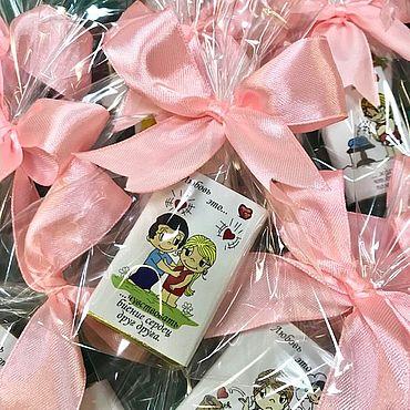 """Свадебный салон ручной работы. Ярмарка Мастеров - ручная работа Бонбоньерка """"Пакетик Love is"""". Handmade."""
