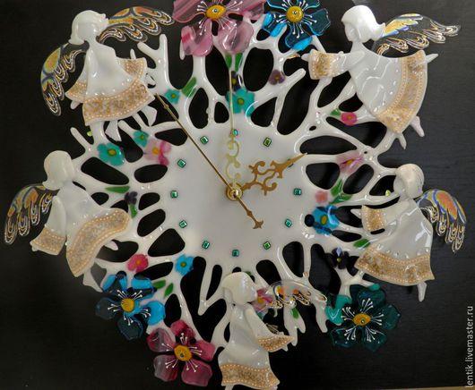 """Часы для дома ручной работы. Ярмарка Мастеров - ручная работа. Купить Часы настенные """"Ангельский хоровод"""".Стекло.Фьюзинг.. Handmade."""