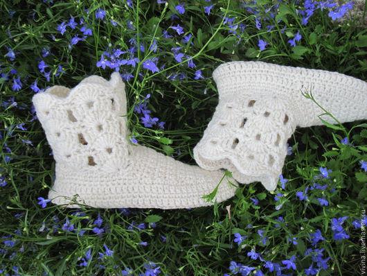 """Обувь ручной работы. Ярмарка Мастеров - ручная работа. Купить Сапожки """"Дачный каприз """". Handmade. Белый, тапочки из шерсти"""