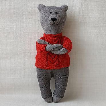Куклы и игрушки ручной работы. Ярмарка Мастеров - ручная работа Медведь Мишуня в красном свитере. Handmade.