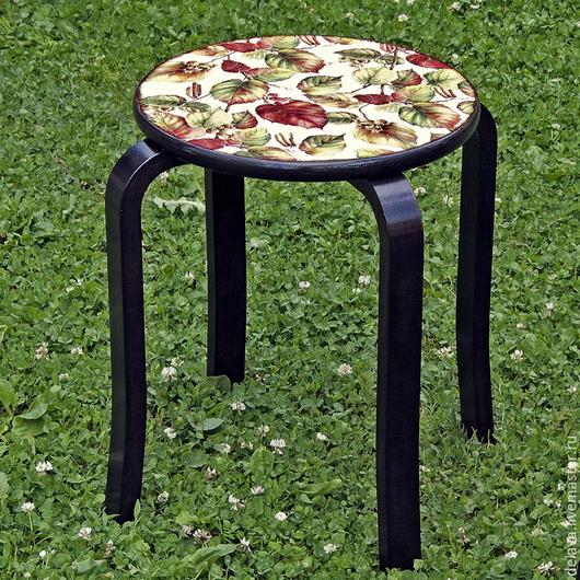 """Мебель ручной работы. Ярмарка Мастеров - ручная работа. Купить Табурет """"Орешек"""". Handmade. Коричневый, табуретка, мебель для кухни, ореховый"""
