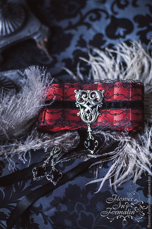 """Готика ручной работы. Ярмарка Мастеров - ручная работа. Купить Викторианский комплект """"Red and Black"""": атласный чокер и серьги. Handmade."""