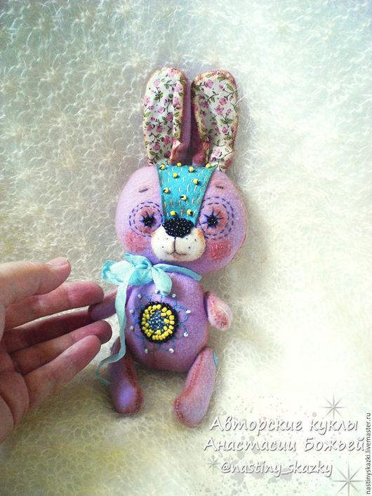 Коллекционные куклы ручной работы. Ярмарка Мастеров - ручная работа. Купить Зайка, авторская игрушка, брусничный, розовый, зайчик из фетра. Handmade.
