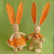"""Подарки к праздникам ручной работы. Ярмарка Мастеров - ручная работа Зайчики """"Ты-моя любимая морковка!"""". Handmade."""