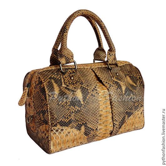 Дизайнерская красивая женская сумка саквояж из кожи питона на молнии. Стильная элегантная имиджевая сумка саквояж из питона на заказ. Авторская ручная работа. Оригинальная женская сумка на весну лето.
