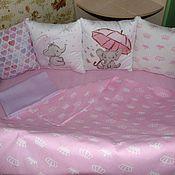 Бортики в кроватку ручной работы. Ярмарка Мастеров - ручная работа Набор в кроватку для новорожденного. Handmade.