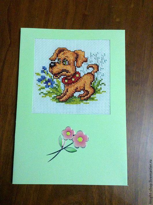 Ласковый щенок хочет подарить Вам хорошее настроение. Неужели Вы не примите его дар?