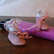 Куклы и игрушки ручной работы. Ярмарка Мастеров - ручная работа Туфли для маленькой антикварной куклы. Handmade.