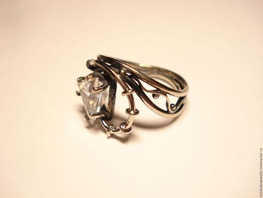 Кольца ручной работы. Ярмарка Мастеров - ручная работа. Купить Кольцо женское с камнем. Handmade. Кольцо ручной работы, фианиты