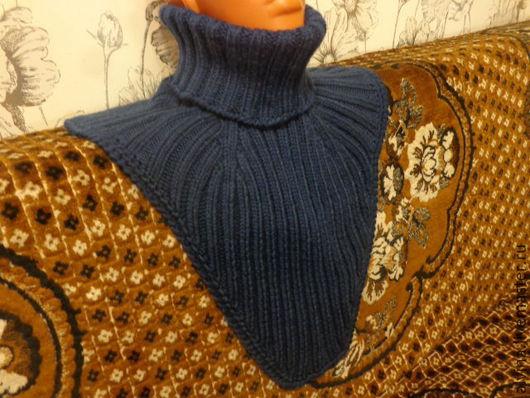Шали, палантины ручной работы. Ярмарка Мастеров - ручная работа. Купить Манишка шерстяная (мериносовая шерсть) , тёмно -синяя. Handmade.