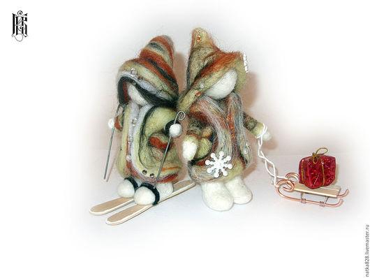 Сказочные персонажи ручной работы. Ярмарка Мастеров - ручная работа. Купить Новогодние игрушки - Гномики - сухое валяние. Handmade. Комбинированный