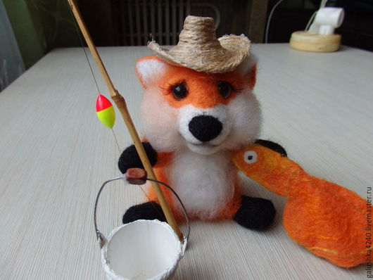 валяная игрушка лисенок
