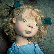Куклы и игрушки ручной работы. Ярмарка Мастеров - ручная работа Девочка с голубыми бантиками Бронь. Handmade.