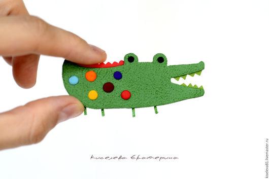 """Броши ручной работы. Ярмарка Мастеров - ручная работа. Купить Брошь """"Крокодильчик"""". Брошка в подарок для девочки, девушки.. Handmade. Брошь"""