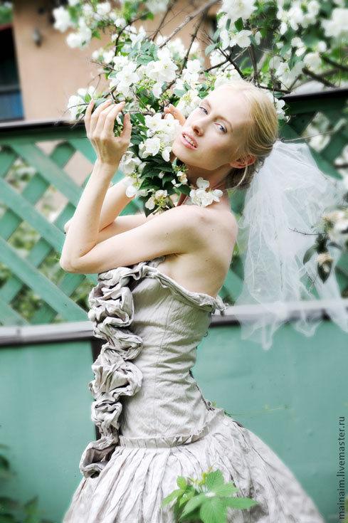 Одежда и аксессуары ручной работы. Ярмарка Мастеров - ручная работа. Купить платье для свадьбы или выпускного из шелка. Handmade.