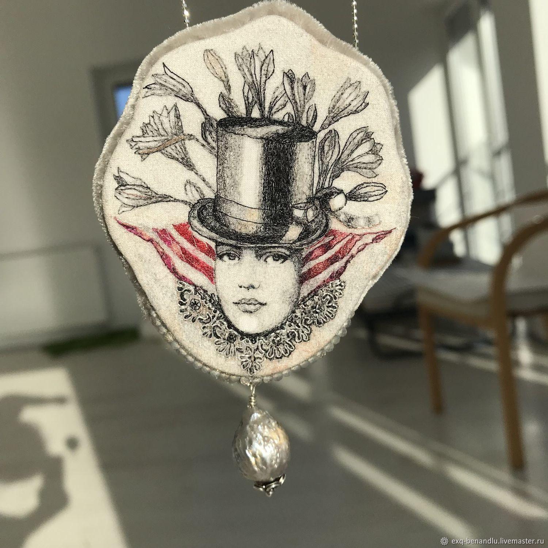 Брошь-кулон Муаровый портрет. Ручная вышивка шелком, Брошь-булавка, Санкт-Петербург,  Фото №1