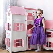 Кукольные домики ручной работы. Ярмарка Мастеров - ручная работа Большой кукольный домик со светом деревянный для высоких кукол Барби. Handmade.