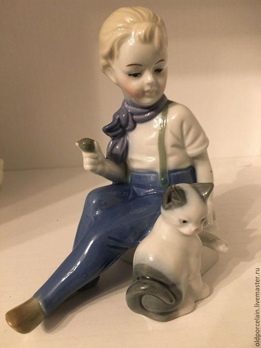 Винтажные предметы интерьера. Ярмарка Мастеров - ручная работа. Купить Девочка с кошкой.. Handmade. Тёмно-синий, кошка, фарфор
