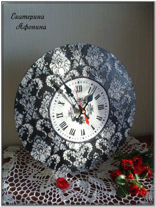 Часы для дома ручной работы. Ярмарка Мастеров - ручная работа. Купить Часы Викторианские. Декупаж. Handmade. Чёрно-белый