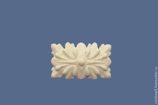 Декоративные накладки для мебельных фасадов. Розетка резная квадратная