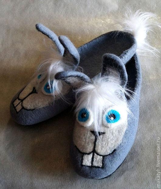 """Обувь ручной работы. Ярмарка Мастеров - ручная работа. Купить Тапочки """"Зайки"""". Handmade. Голубой, домашние тапочки"""