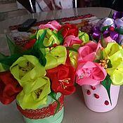 Подарки к праздникам ручной работы. Ярмарка Мастеров - ручная работа Цветочный горшок с цветами. Handmade.