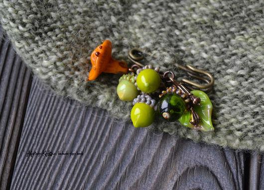 """Броши ручной работы. Ярмарка Мастеров - ручная работа. Купить Брошь лэмпворк """"Осенняя"""". Handmade. Зеленый, брошь из стекла, желудь"""