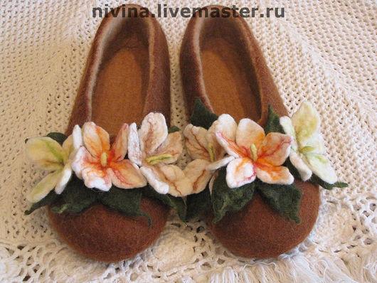"""Обувь ручной работы. Ярмарка Мастеров - ручная работа. Купить тапочки""""Весна идёт"""". Handmade. Шерсть, ручная работа"""
