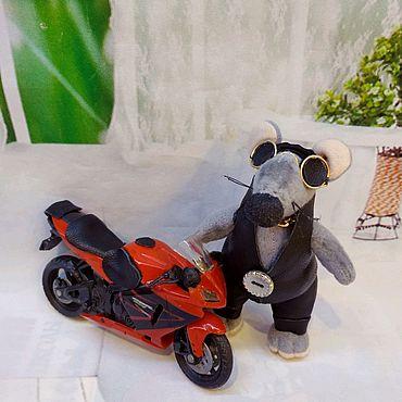 Куклы и игрушки ручной работы. Ярмарка Мастеров - ручная работа Крыса байкер. Handmade.