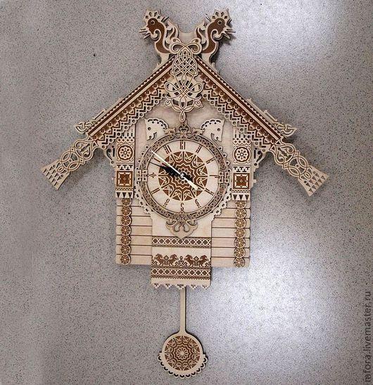 """Часы для дома ручной работы. Ярмарка Мастеров - ручная работа. Купить Часы """"Избушка с маятником"""". Handmade. Бежевый, часы сказочные"""