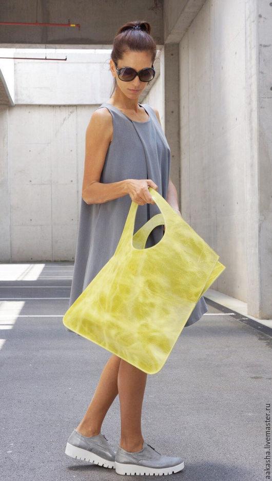 Яркая сумка из натуральной кожи на каждый день.Летняя кожаная сумка вместительная