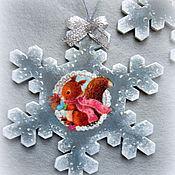 Подарки к праздникам ручной работы. Ярмарка Мастеров - ручная работа Снежинка -подвес Винтажное Рождество. Handmade.