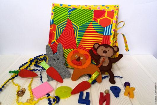 """Развивающие игрушки ручной работы. Ярмарка Мастеров - ручная работа. Купить Развивающая книжка из ткани и фетра """"Цирк"""".. Handmade. Комбинированный"""