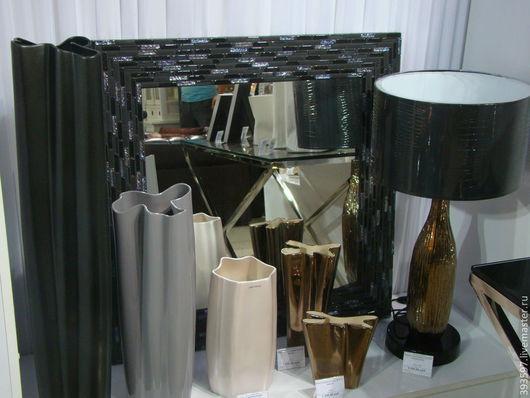 Рама зеркала  может быть изготовлена любого размера,цвета и формы.