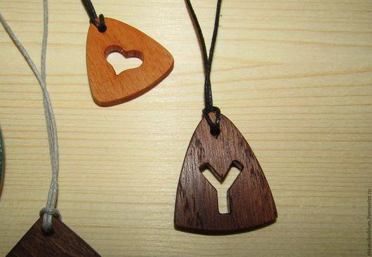 Кулоны, подвески ручной работы. Ярмарка Мастеров - ручная работа. Купить Кулон из натурального дерева. Handmade. Кулон ручной работы