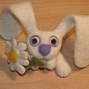 Куклы и игрушки ручной работы. Ярмарка Мастеров - ручная работа Зайка с ромашкой. Handmade.