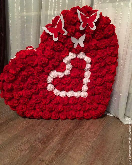 """Праздничная атрибутика ручной работы. Ярмарка Мастеров - ручная работа. Купить Объемное сердце """"Алое и пушистое"""". Handmade. Ярко-красный"""