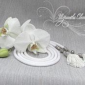 """Украшения ручной работы. Ярмарка Мастеров - ручная работа Лариат """"Белая орхидея"""" длинный жгут из бисера. Handmade."""