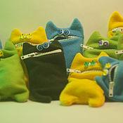 Куклы и игрушки ручной работы. Ярмарка Мастеров - ручная работа ручные котики (кошелек, чехол для телефона и просто друг). Handmade.