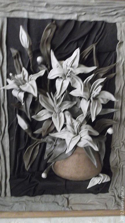 """Картины цветов ручной работы. Ярмарка Мастеров - ручная работа. Купить Натуральная кожа. Авторская работа """"Лилии"""". Handmade. Каритна"""