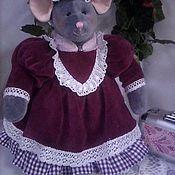 Мягкие игрушки ручной работы. Ярмарка Мастеров - ручная работа Мягкие игрушки: Дама мышь. Handmade.