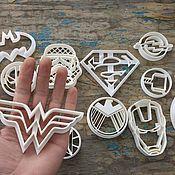 Предметы быта ручной работы. Ярмарка Мастеров - ручная работа Предметы быта: Формочки для печенья, пряников в виде супергероев. Handmade.