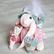 """Куклы и игрушки ручной работы. Ярмарка Мастеров - ручная работа Зайка-паж """"Клубничкин"""". Handmade."""