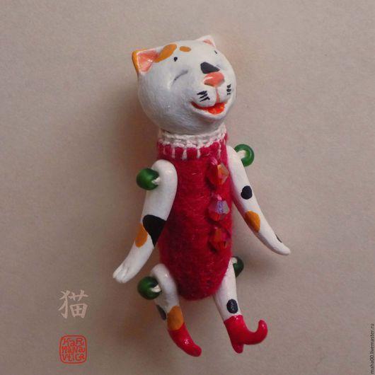 Игрушки животные, ручной работы. Ярмарка Мастеров - ручная работа. Купить Счастливый трехцветный кот, lucky neko, сувенирная фигурка. Handmade.
